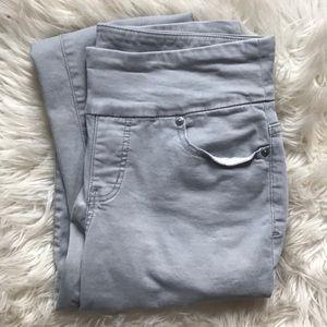 531b75a7aac4 Women s Jag Jeans Pull On Straight Leg on Poshmark